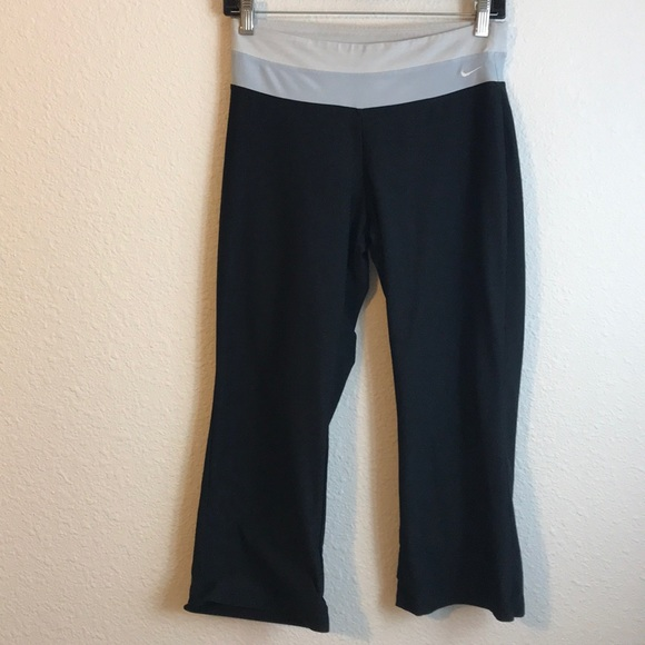 Nike Pants - Nike Capris Pants